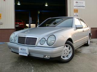 W210 E240 銀 001.JPG